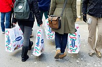 Shoppers in Herald Square outside Macy´s Herald Square flagship store in New York looking for bargains on Black Friday, the day after Thanksgiving, Fr...