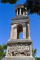 Cenotaph of Glanum, roman ruins in Saint-Remy-de-Provence, Arles district, Bouches-du-Rhône department, Provence-Alpes-Côte d´Azur region, France, Eur...