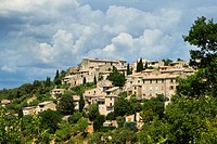Overview of Lurs village, Forcalquier district, in Alpes-de-Haute-Provence department, Provence-Alpes-Côte d´Azur region, France, Europe.