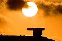 Praise the Horizon is the name of a concrete sculpture located in the city of Gijón (Spain), by the sculptor Eduardo Chillida. It is a work of great p...