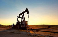 Oil well at Ayoluengo de la Lora. Sargentes, Burgos, Castile and Leon, Spain.
