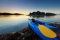 Sea kayak at sunset, Pipers Lagoon Park, Nanaimo, Vancouver Island, British Columbia
