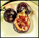 Fresh figs on a plate.