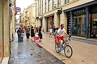 Rue Ste Catherine, Bordeaux, Gironde Department, Aquitaine, France.
