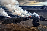 Lava and plumes from the Holuhraun Fissure by the.