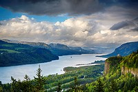 A view down the Columbia River gorge, Oregon, USA.