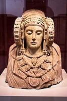 Escultura ibérica - Dama de Elche – Museo Arqueológico Nacional – Madrid – España - Europa.