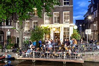 A film being made in the historic centre of Amsterdam. It will be starring Raoul Bova and be directed by Vanzina.