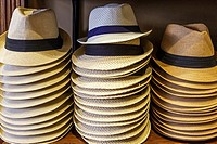 Selection of gent´s straw summer hats for sale.