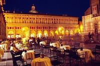 Italy, Emilia Romagna, Bologna, Piazza Maggiore Square, Cafe.