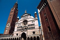 Italy, Lombardy, Cremona, Piazza del Comune Square, Duomo Cathedral and Torrazzo Tower.