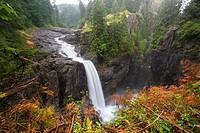 North America, Canada, British Columbia, Vancouver Island, Elk Falls Provincial Park, Elk Falls, 25 metre waterfall on the Campbell River.