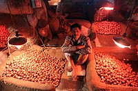 Dhaka 23 october 2013. Onion traders at Kawran Bazaar vegetable market. The Bazaar has been in the Tejgaon area for at least 30 years and is one of th...
