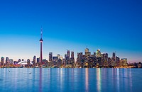 Toronto skyline in the evening with Roger´s Centre and CN tower, Toronto, Ontario, Canada.