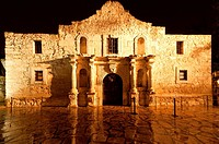 The Alamo at night, San Antonio, Texas, USA