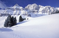 Winter in Pipestone Pass, Banff National Park, Alberta, Canada.