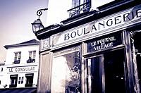 Boulangerie (bakery) and Le Consulat Restaurant, Montmartre, Paris, France.