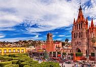 Parroquia Archangel church Jardin Town Square San Miguel de Allende, Mexico. Parroaguia created in 1600s. . .