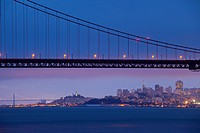 San Francisco, CA, USA: city skyline, Golden Gate Bridge, Bay Bridge, Coit Tower, Fisherman´s Wharf, high-rise office buildings, dusk, view from Kirby...