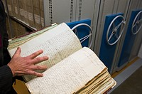 Reading old notes, Sweden National archive