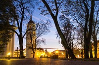 Vilnius Cathedral Belfry illuminated at night. Cathedral Square, Vilnius, Lithuania, Europe. Originally part of the city´s 13th century defensive wall...