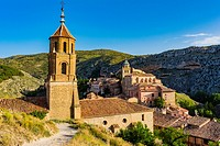 Church of Santiago, in the background the Cathedral of San Salvador. Albarracin, Teruel, Aragón, Spain, Europe.