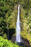 Double waterfall with a rainbow in Akaka Falls State Park in Honomu, Hawaii, USA.