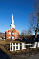 Waterbury Center Methodist Church (1833) with fence, Waterbury, Vermont, USA