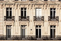 Building facades iin Place Saint Pierre in the city of Nantes.