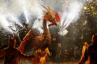 Barcelona: Correfoc, typical catalan celebration in which dragons and devils armed with fireworks dance through the streets.