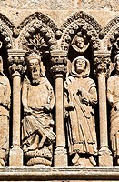 Puerta de las Cadenas, de estilo románico en transición al gótico - Personajes del Antiguo Testamento - Catedral de Santa María - Ciudad Rodrigo - Sal...