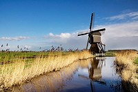 The Broekmolen is a windmill near Streefkerk in the Dutch region Alblasserwaard.