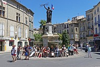 Tourists taking a break, Pezenas, France