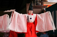 Japan, Kyoto, Gion Matsuri, festival, traditional performance, dancer, people,.