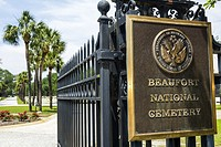 South Carolina, Beaufort, Historic district, National Cemetery, entrance, fence, plaque,