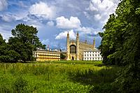 King's College Cambridge, with the Chapel in the centre of image and Clare College (left), Cambridge, England, UK.