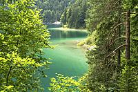 Lake Eibsee at the base of the Zugspitze, Germany´s highest mountain, Grainau, Bavaria, Germany.