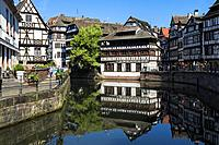 Maison des Tanneurs and timbered houses along the ILL canal, Petite France District, Strasbourg, Alsace, Bas-Rhin Department, France.