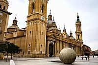 Basilica of Nuestra Señora del Pilar and Town hall, Plaza Pilar, Zaragoza, Saragossa, Aragon, Spain, europe