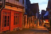 Vitre, Ille-et-Vilaine, Old Town, Dusk, Bretagne, Brittany, France.
