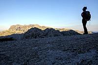 escursionista frente el Puig Gros de Ternellas, 838m, finca publica de Mortix, Escorca, Mallorca, balearic islands, Spain.
