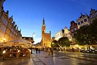 Dlugi Targ (Long Market street) and the 14th century Town Hall. Gdansk, Poland.