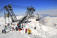 Cable Car Construction, Cime de Caron 3195m, Skiers and Snowboarders leaving the Cabin, Val Thorens, Haute Savoie, Trois Vallees, Three Valleys, Ski R...