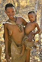 San woman (bushmen woman) with child, Kalahari, North Namibia, Namibia