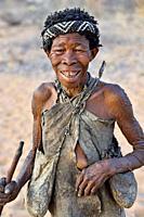Old San woman (bushmen woman) portrait, Kalahari, North Namibia, Namibia