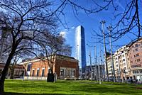 Museo de Bellas Artes y Torre Iberdrola, Bilbao, Bizkaia, Basque Country, Euskadi, Euskal Herria, Spain.