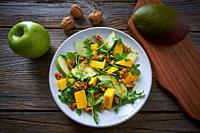Arugula mango and apple salad healthy for heart.