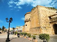 Alghero, Cristoforo Colombo defensive shield, Torre dello Sperone, Sperone Tower, defense tower built by the catalans XIV century, Italy, Sardinia, Sa...