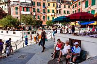 Streets full of tourists in summer time, Vernazza, Italian Riviera, Liguria, Italy.