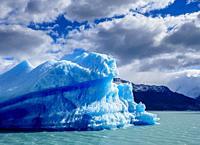 Iceberg on Lake Argentino, Los Glaciares National Park, Santa Cruz Province, Patagonia, Argentina.